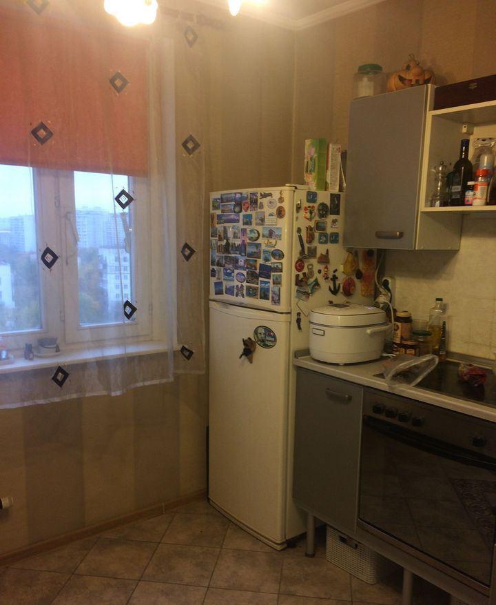 Продается трехкомнатная квартира в москве 80 кв.м., метро Че.